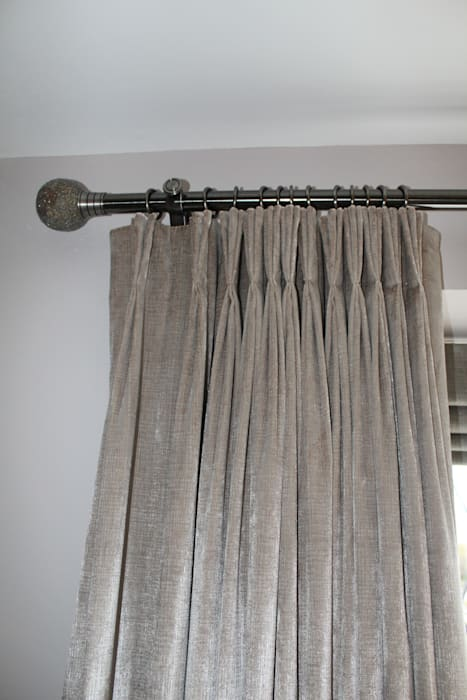 Soft Furnishings : modern Bedroom by Amanda Jeffrey Interior Design