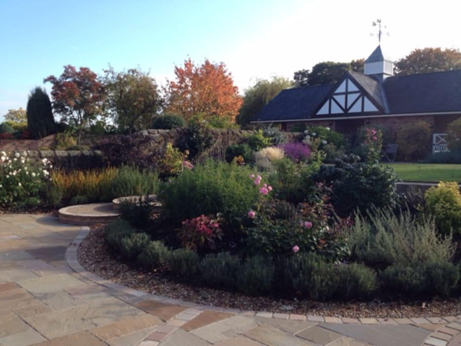 A Cheshire Country Garden: country Garden by Charlesworth Design