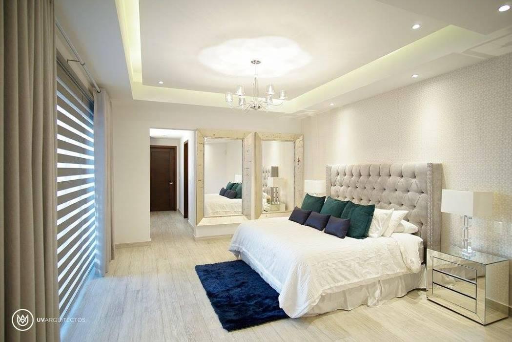 A856 Dormitorios modernos de UV Arquitectos Moderno