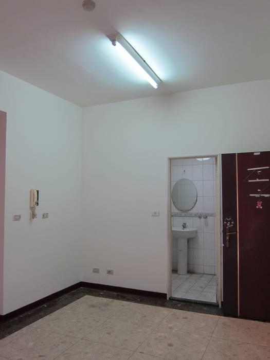 Pasillos, halls y escaleras rurales de 以恩設計 Rural
