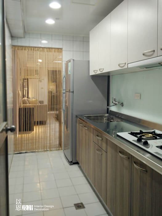 廚房:  廚房 by 以恩設計