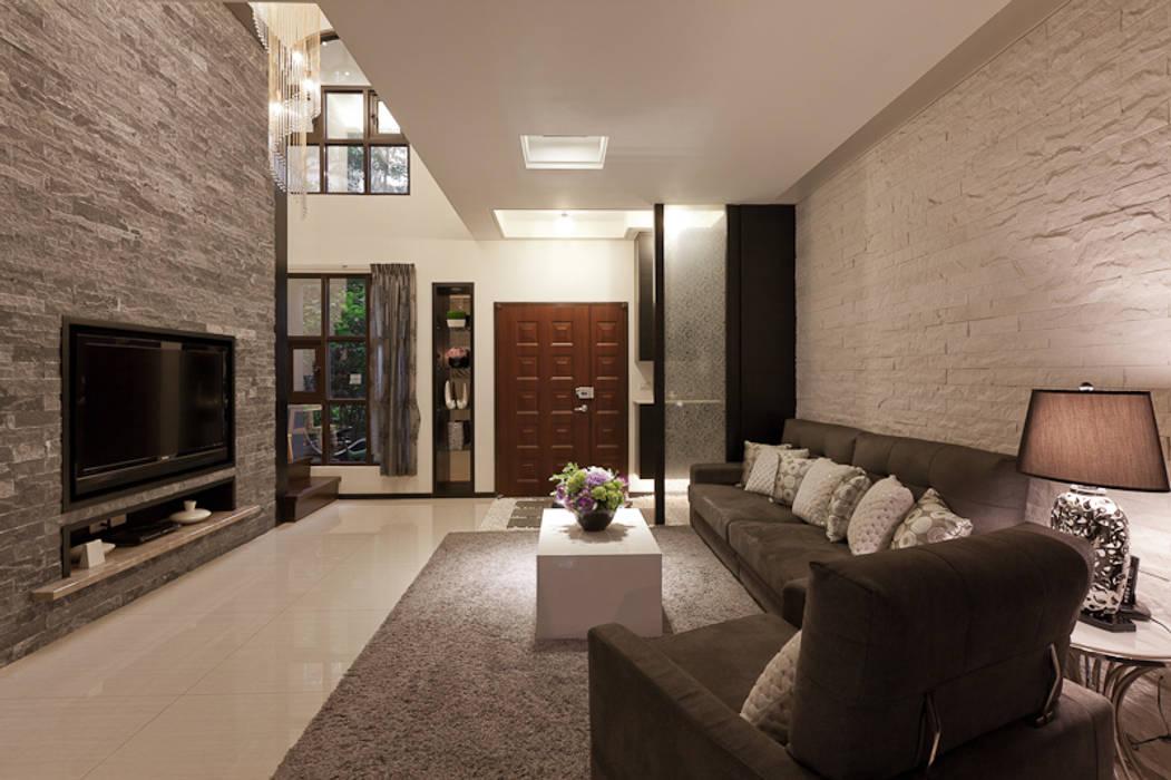 Living room by 芸采創意空間設計-YCID Interior Design, Tropical