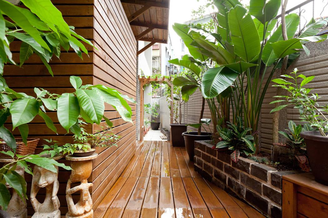 仰‧初相:  庭院 by 芸采創意空間設計-YCID Interior Design, 熱帶風