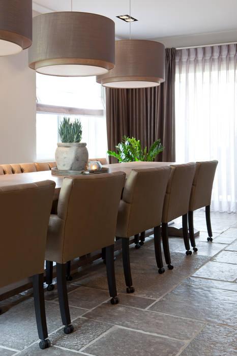 Mix landelijk modern: moderne eetkamer door ilse damhuis stijlvol ...