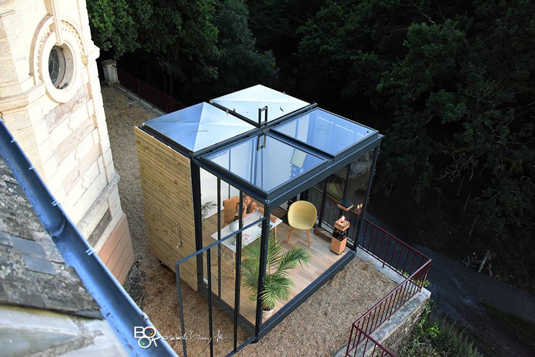 Un CUBE dans mon jardin : Bureau de style de style Moderne par Tabary Le Lay
