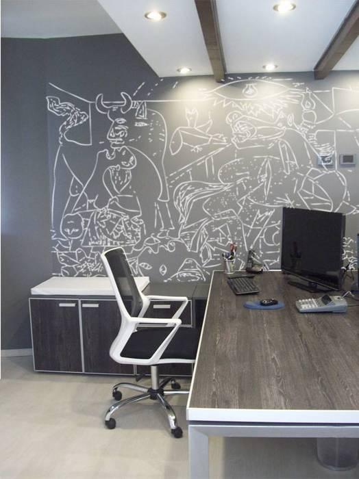 Puesto de trabajo: Estudios y oficinas de estilo moderno por TORRETTA KESSLER Arquitectos