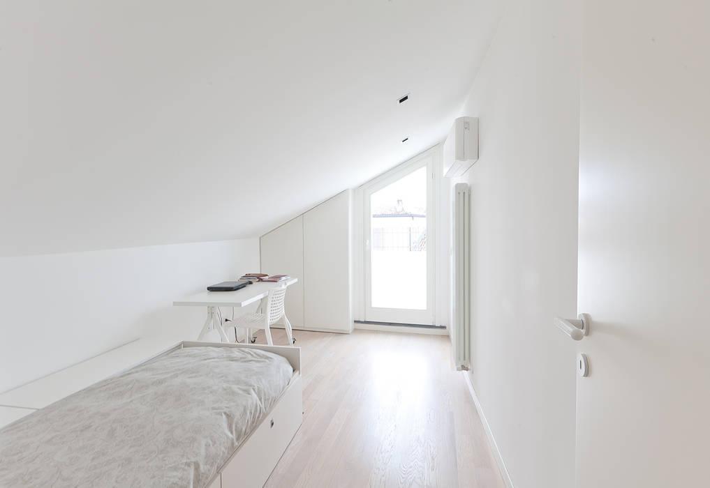 Gun_house_2010 CREMA tIPS ARCHITECTS Camera da letto minimalista
