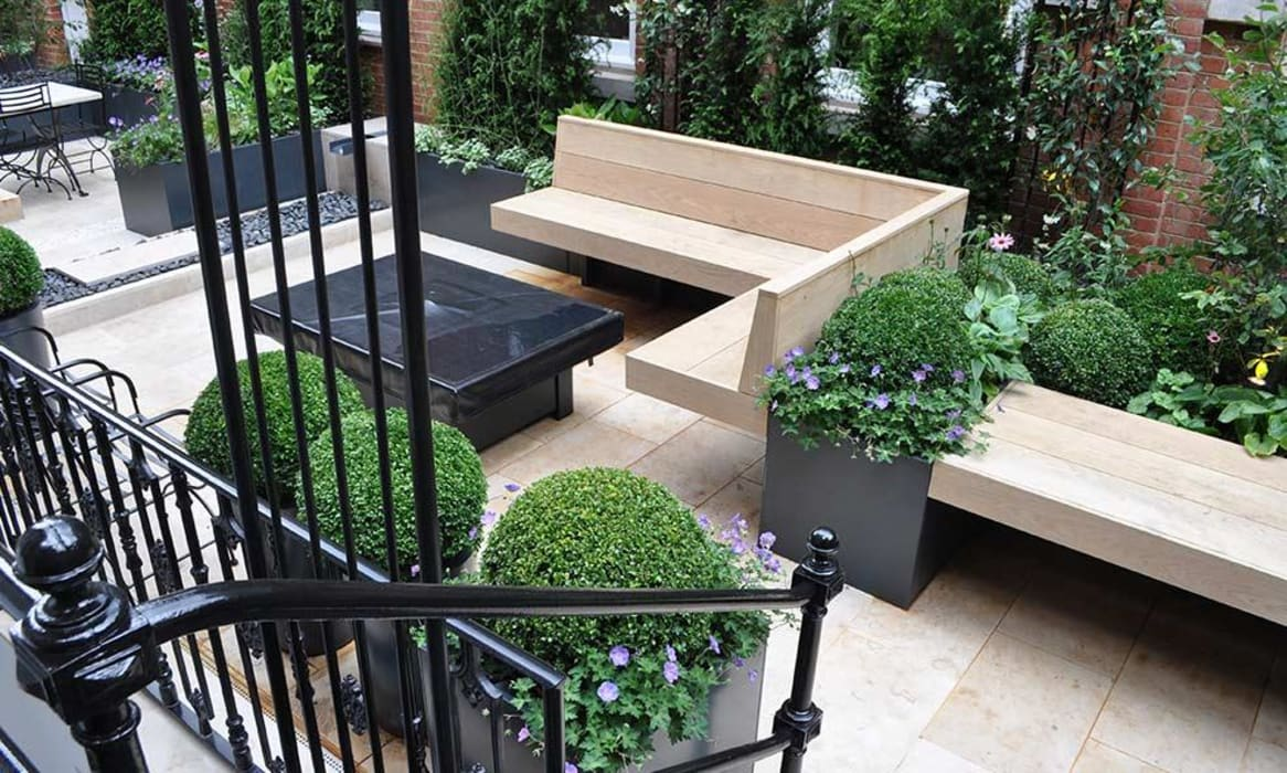Bahama Gas Fire Table - Grade 2 Listed Garden, Knightsbridge: modern Garden by Rivelin
