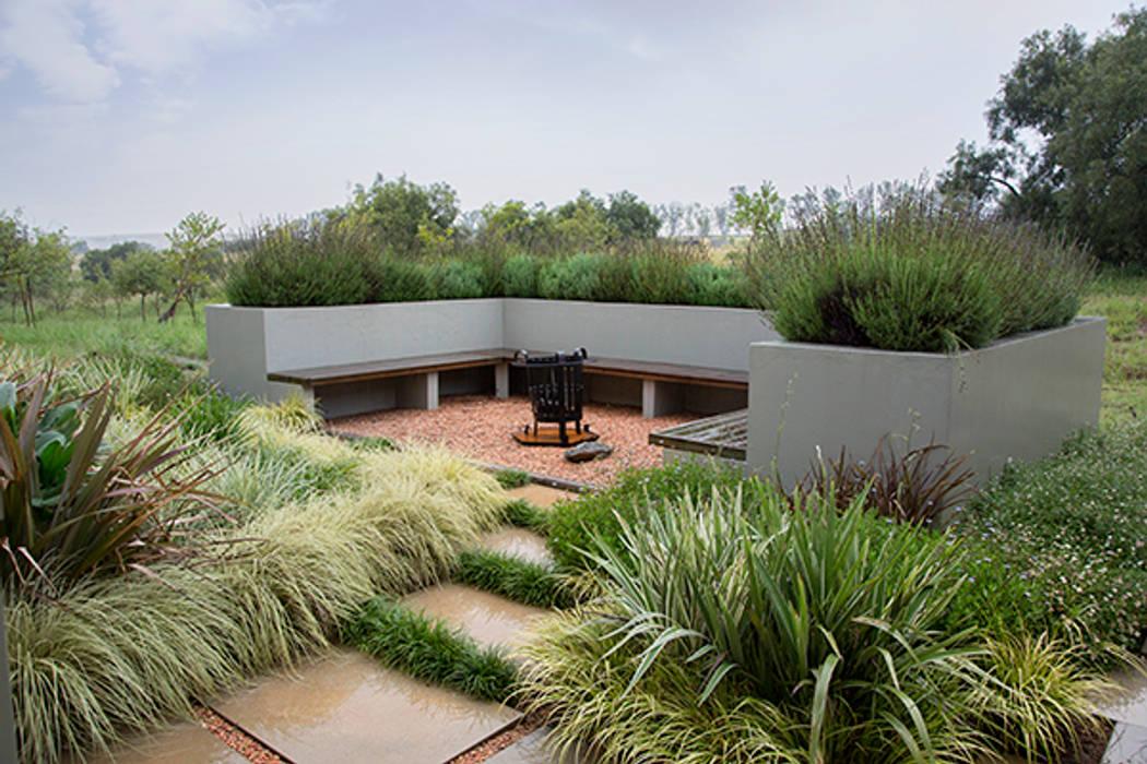 Jardines modernos: Ideas, imágenes y decoración de homify Moderno