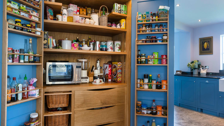 French farm house blue:  Kitchen by Auspicious Furniture