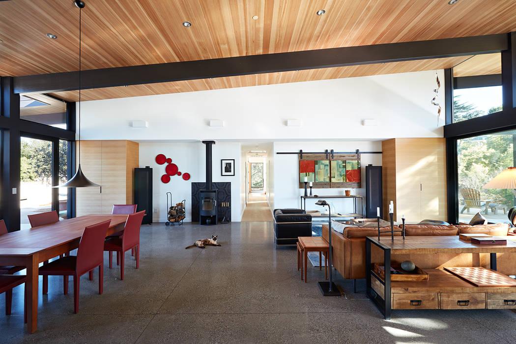 Klopf Architecture Livings de estilo moderno