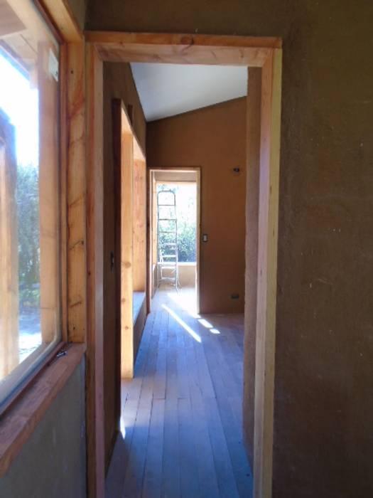 CASA CALEU Casas estilo moderno: ideas, arquitectura e imágenes de CREARCO Moderno Madera Acabado en madera