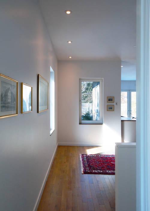 Solares Architecture Koridor & Tangga Minimalis