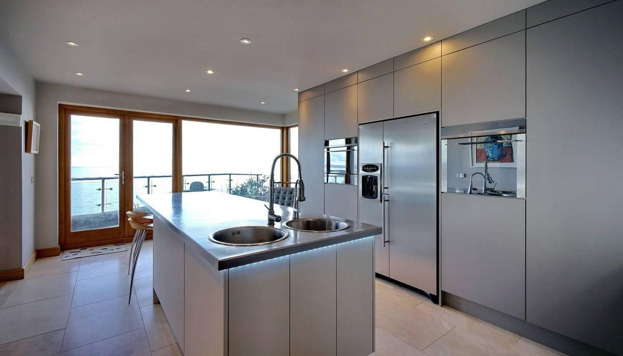Sea Views are still the main focus: modern Kitchen by ADORNAS KITCHENS