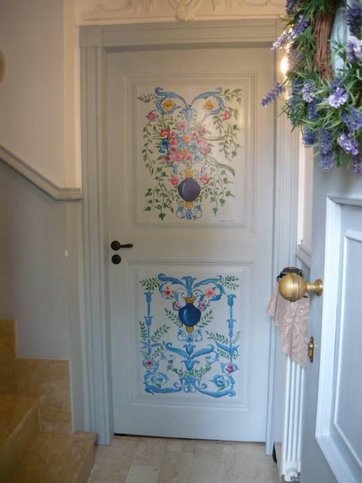 Casa shabby chic: ingresso & corridoio in stile di francesca maria ...