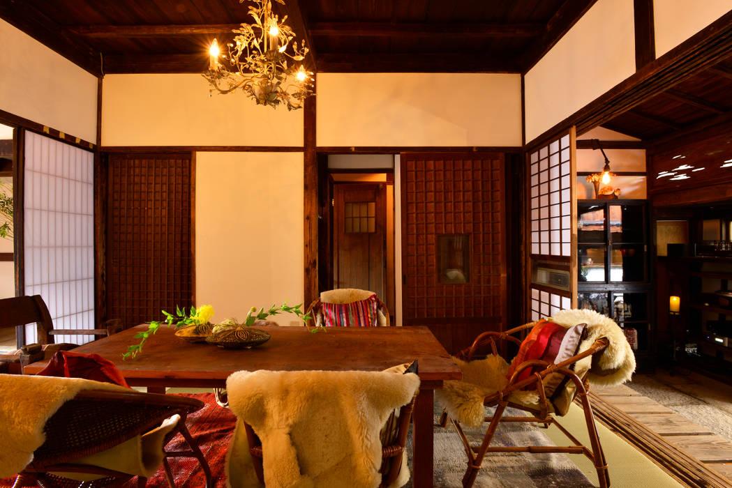 メインイベントスペース 和室2: 株式会社SHOEIが手掛けた折衷的なです。,オリジナル