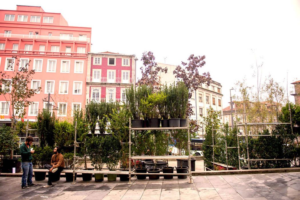 Praça pós-intervenção Jardins ecléticos por STILL urban design Eclético