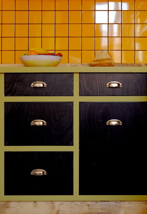 VALERIA'S KITCHEN by Relic Interiors kitchens and furniture Mediterranean