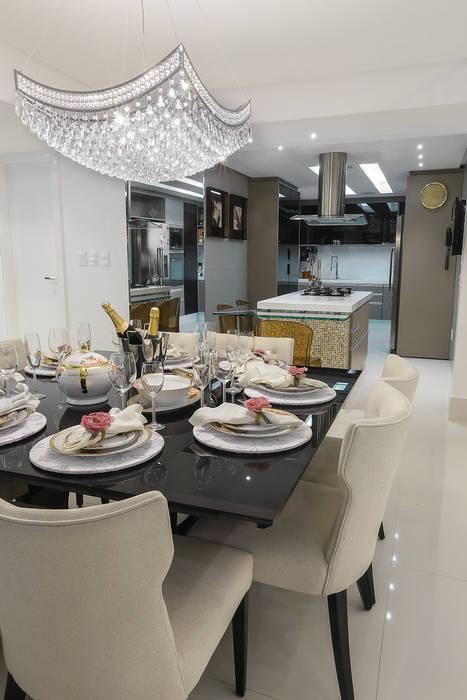 Integração Sala de Jantar e Cozinha Carolina Fontes Arquitetura Salas de jantar modernas