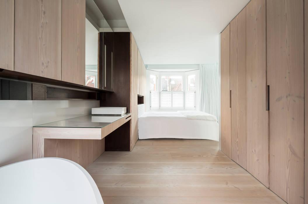 minimalistic Bathroom by Your Architect London