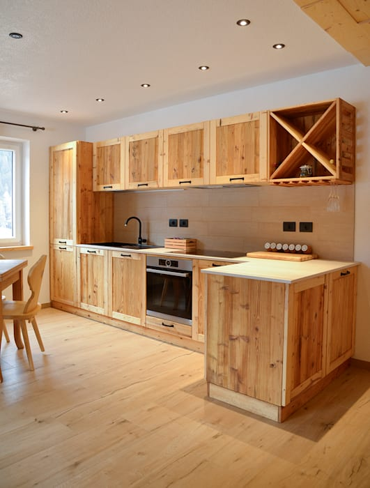 Case di montagna: cucina in stile di ri-novo | homify