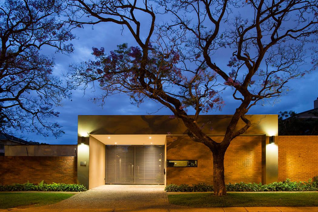 Modern home by Swart & Associates Architects Modern