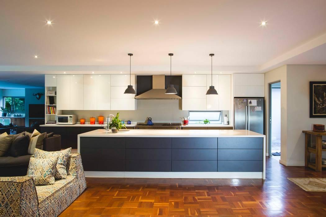 House Pont:  Kitchen by Swart & Associates Architects