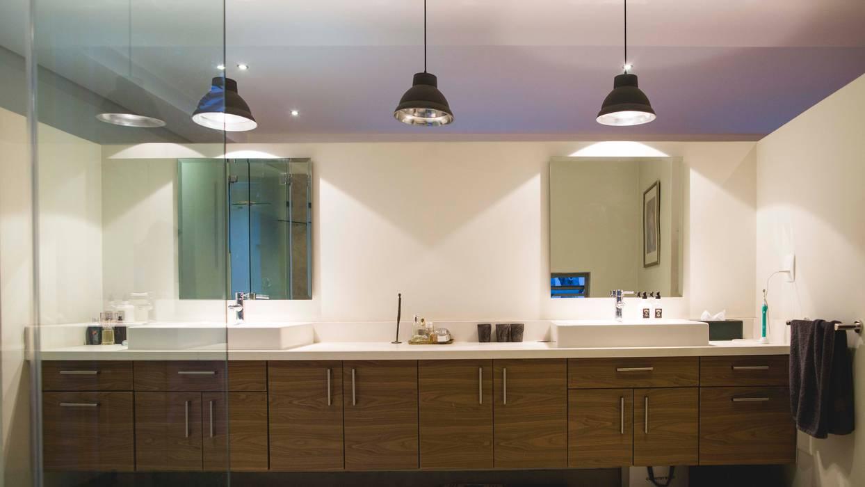 Bathroom by Swart & Associates Architects, Modern