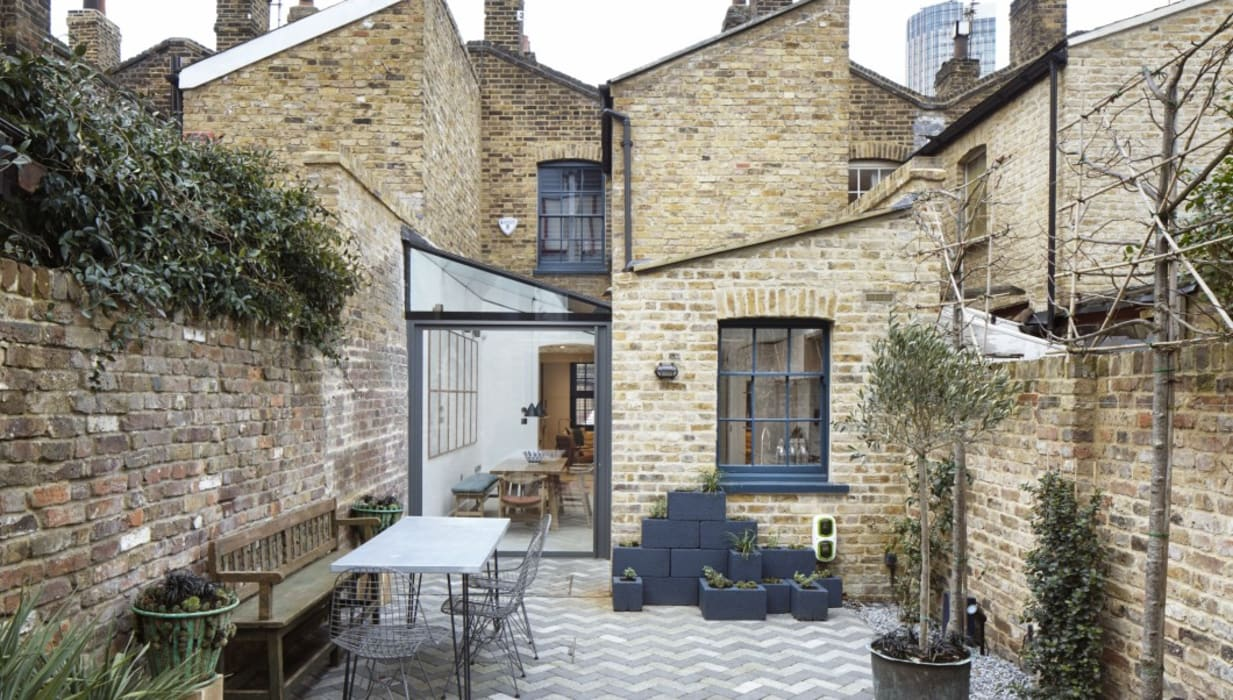 Lambeth Marsh House:  Garden by Fraher and Findlay, Modern