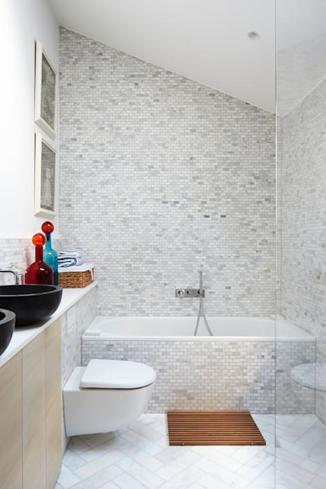 Bathroom by Fraher and Findlay, Modern
