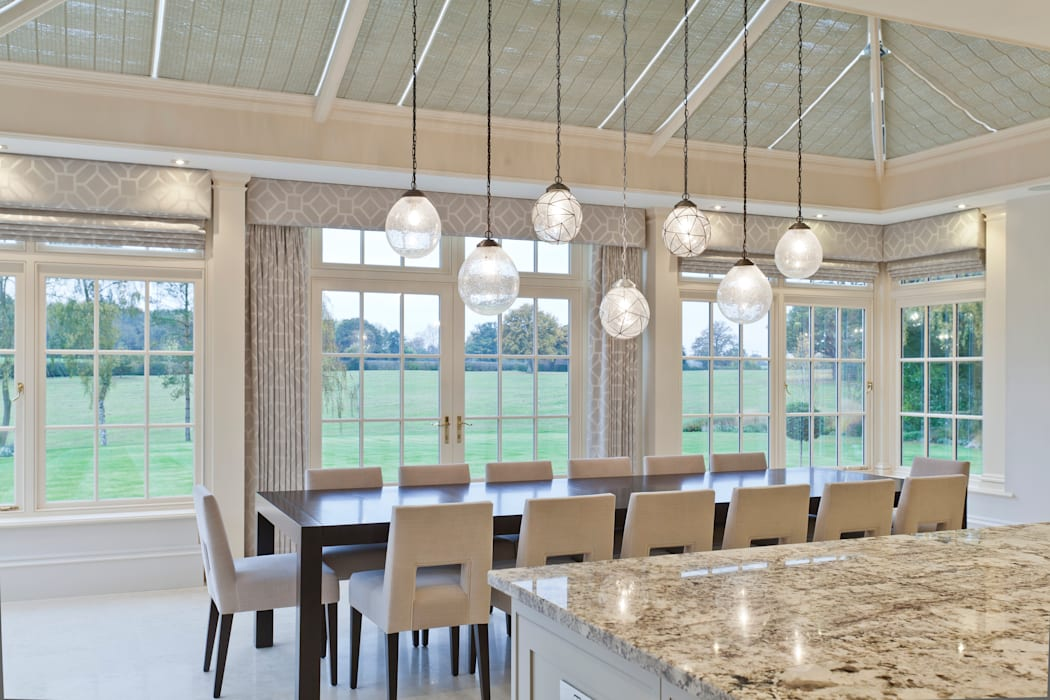 Georgian Orangery opens up the kitchen to include dining space:  Conservatory by Vale Garden Houses