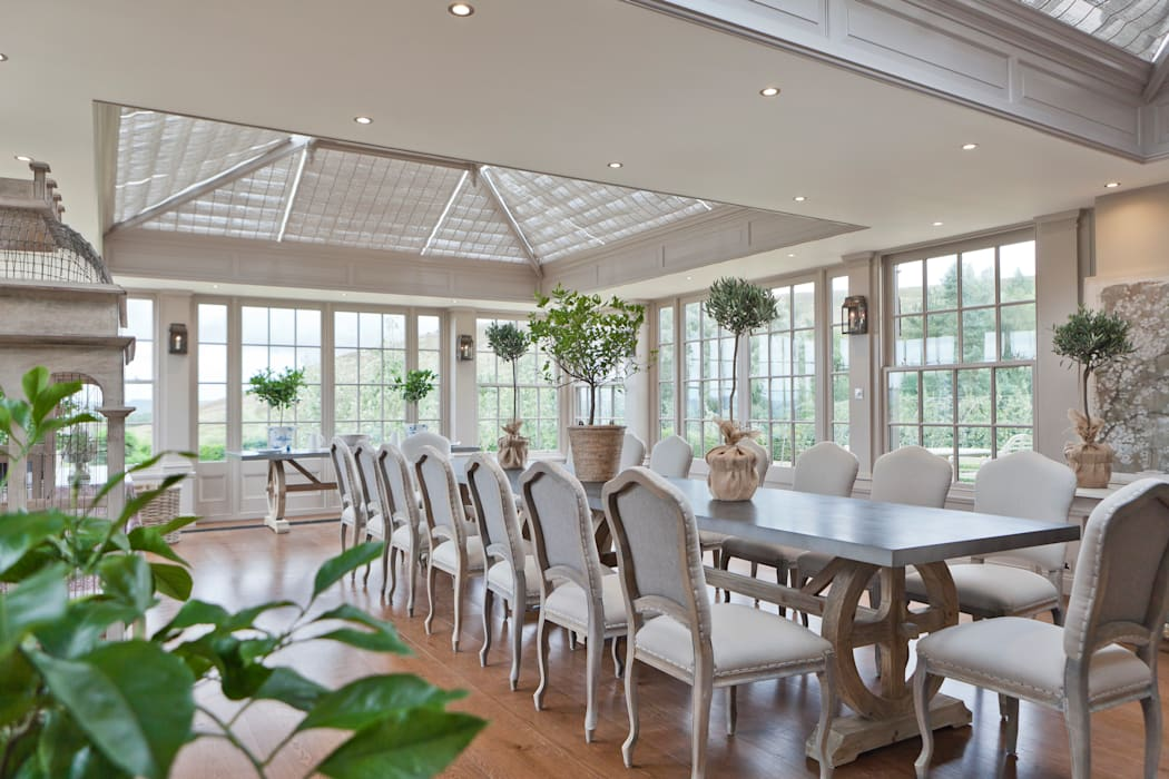 Beautiful Orangery on a Yorkshire hunting lodge: classic Conservatory by Vale Garden Houses