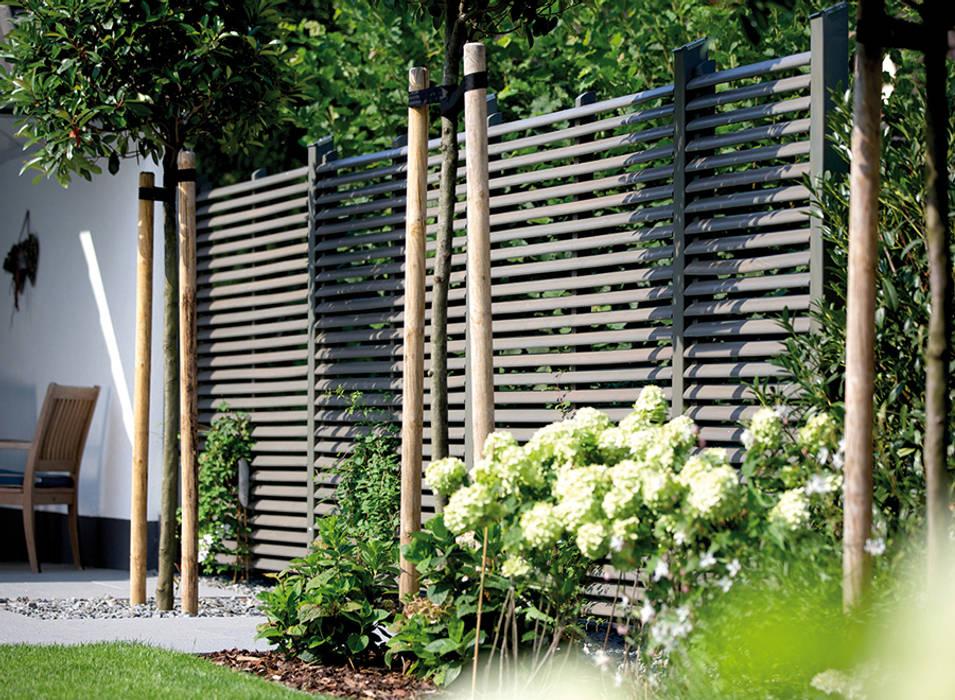 Sichtschutz Ellipso Moderne Hauser Von Braun Wurfele Holz Im