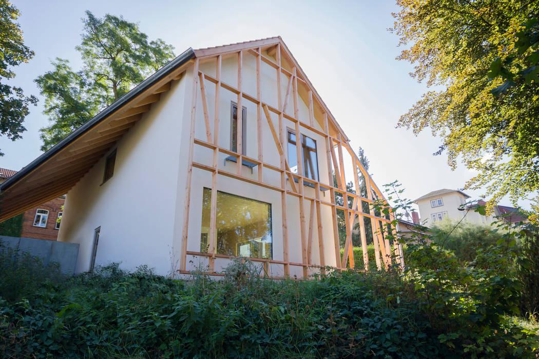 Modern houses by Planungsgruppe Korb GmbH Architekten & Ingenieure Modern Wood Wood effect