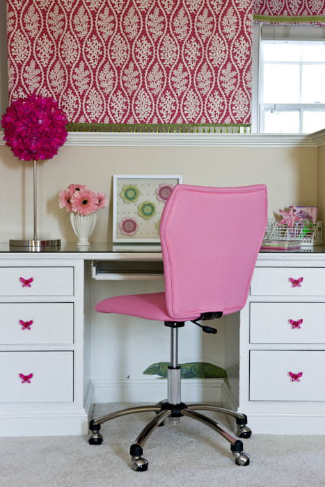 Next Generation - Girl's Desk Lorna Gross Interior Design Classic style bedroom Pink