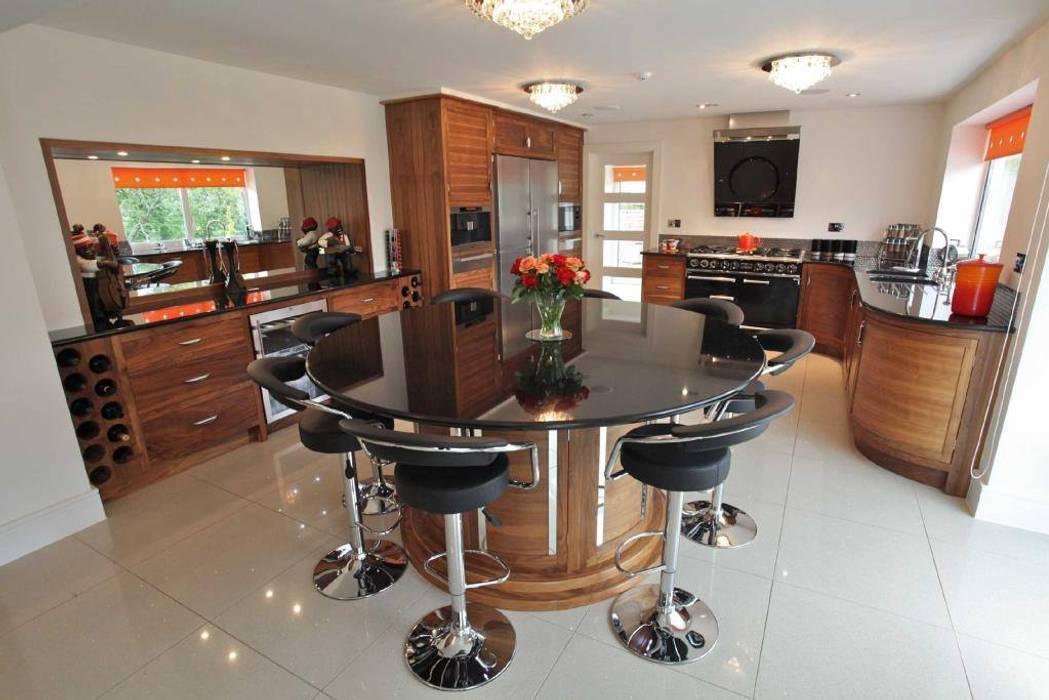 Draethen Farm House Conversion Smarta Modern kitchen