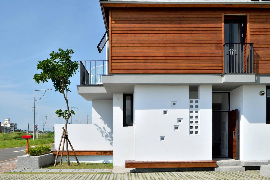 Modern houses by 原典建築師事務所 Modern