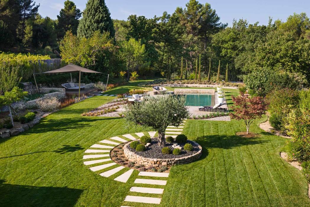 Trets – jardin contemporain en provence jardin moderne par ...