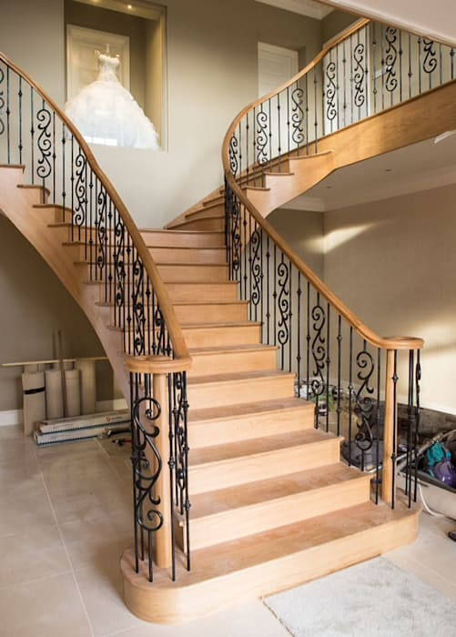 T shape helical staircase :  Corridor & hallway by Boss Stairs