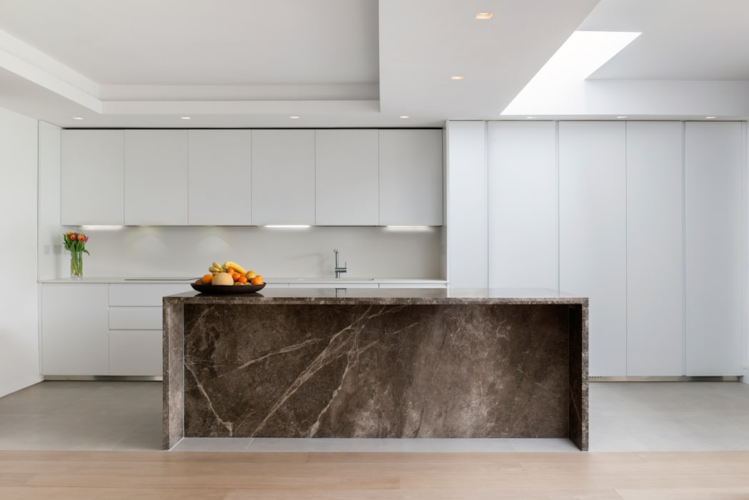 Open plan kitchen, dining and living room DDWH Architects 現代廚房設計點子、靈感&圖片