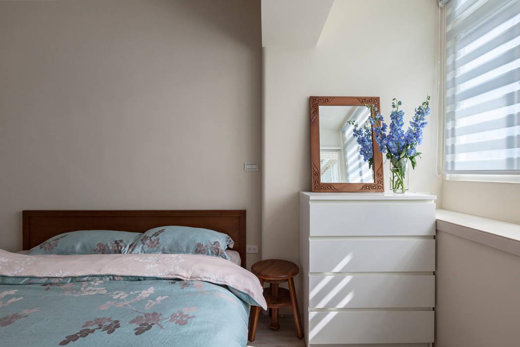賀澤室內設計 HOZO_interior_design Eclectic style bedroom by homify Eclectic