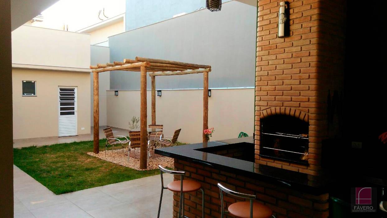Jardines de estilo  por Fávero Arquitetura + Interiores,