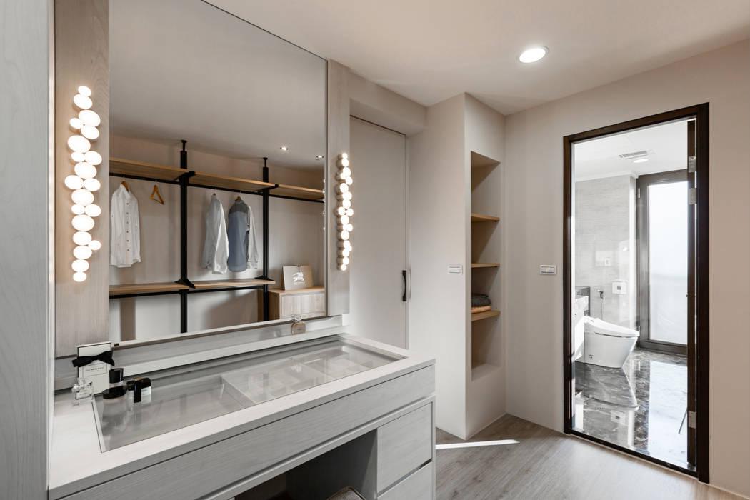 賀澤室內設計 HOZO_interior_design Eclectic style dressing room by 賀澤室內設計 HOZO_interior_design Eclectic