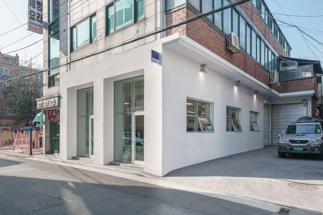 Modern windows & doors by homify Modern