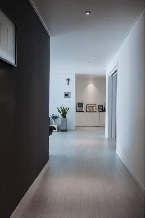 homify Modern Koridor, Hol & Merdivenler