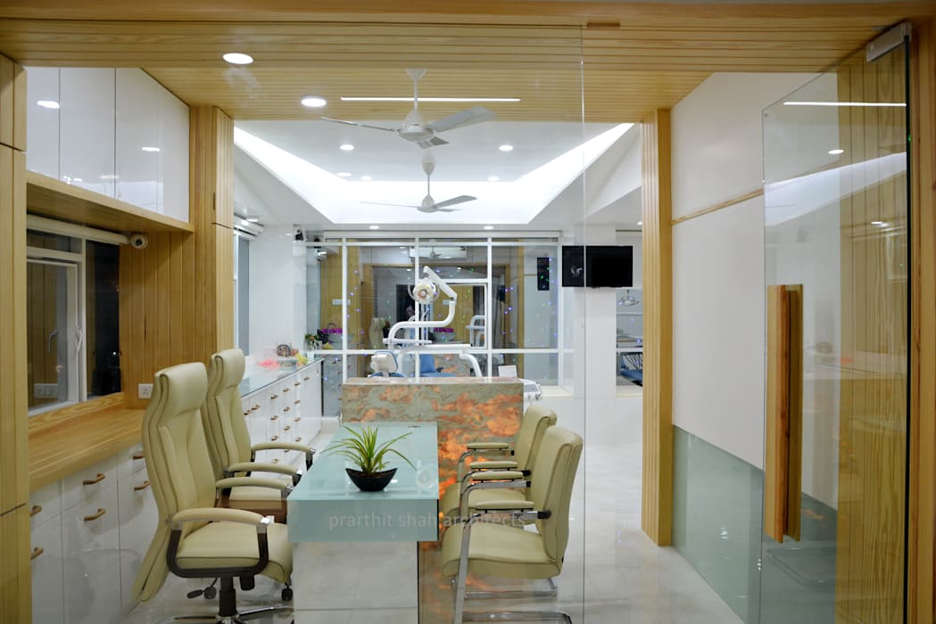 Dental Office Consulting Design:  Study/office by prarthit shah architects