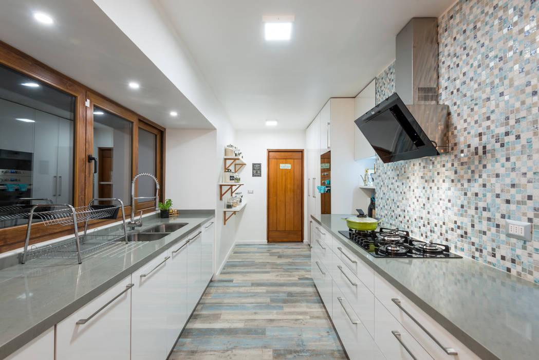Remodelación Casa Los Castores Grupo E Arquitectura y construcción Cocinas de estilo moderno Azul