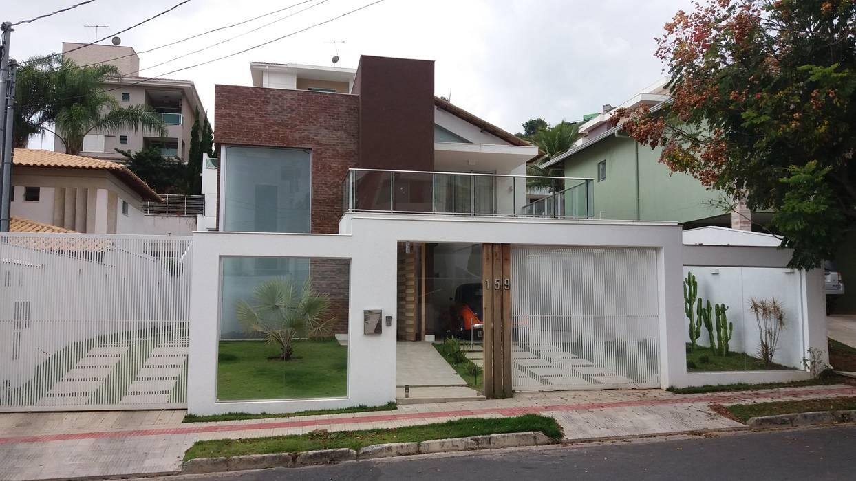 Casas de estilo  por Monica Guerra Arquitetura e Interiores,