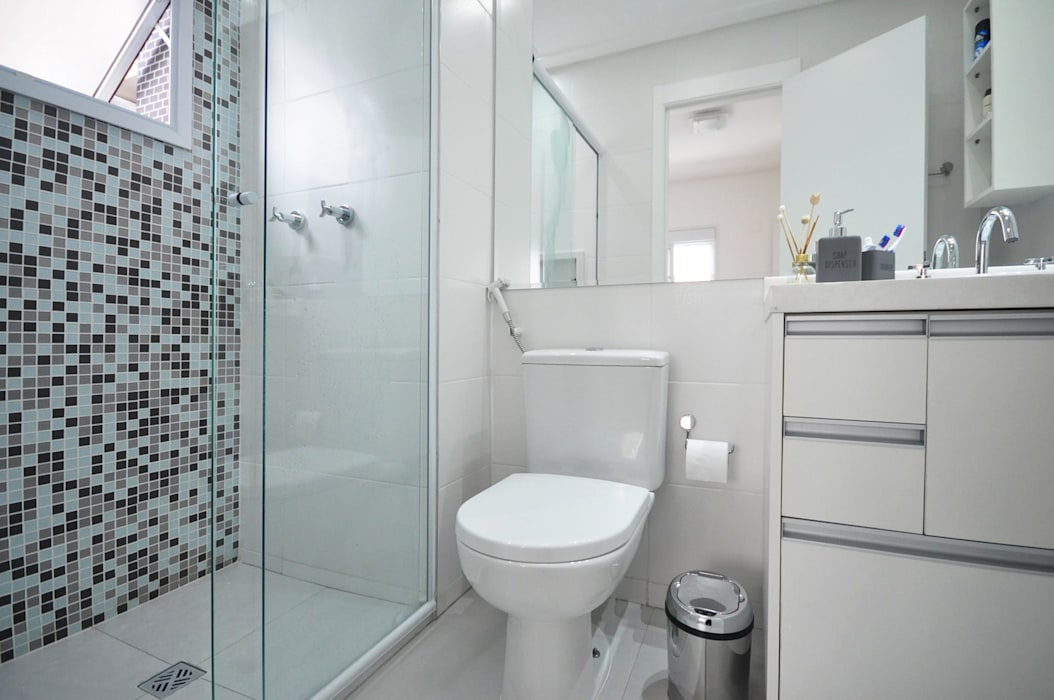 Bathroom by Condecorar Arquitetura e Interiores, Classic