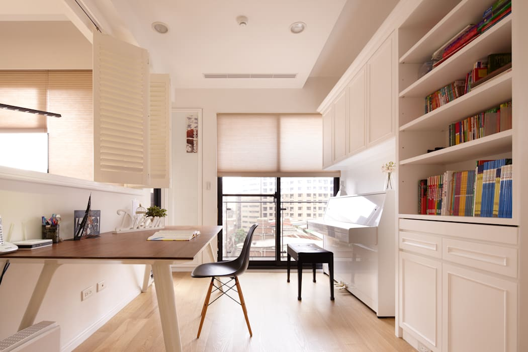 Ruang Kerja oleh 耀昀創意設計有限公司/Alfonso Ideas, Skandinavia